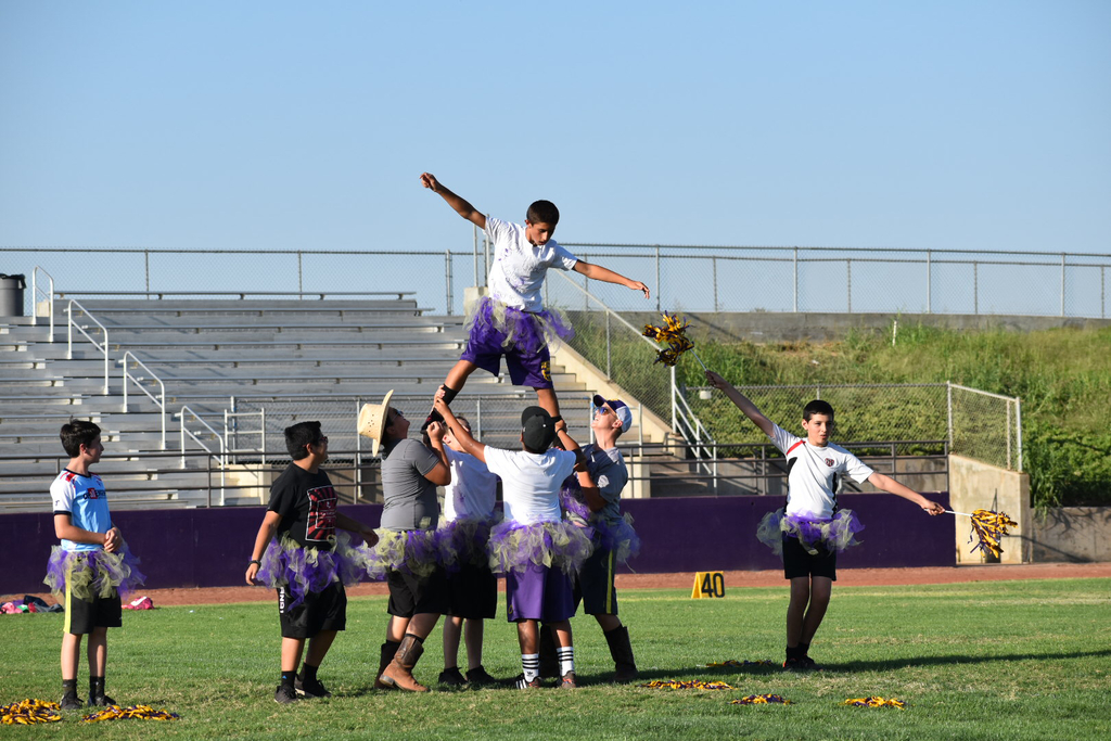 Powder puff cheerleaders
